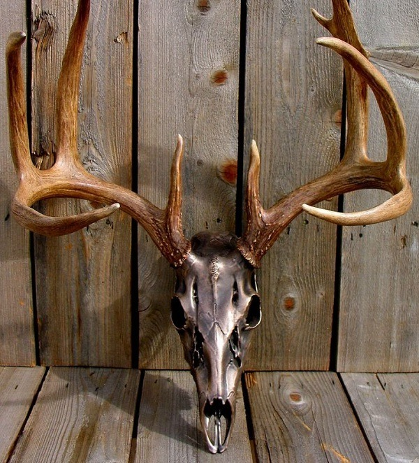 AA 20 & 20 Awesome Pieces of Antler Art