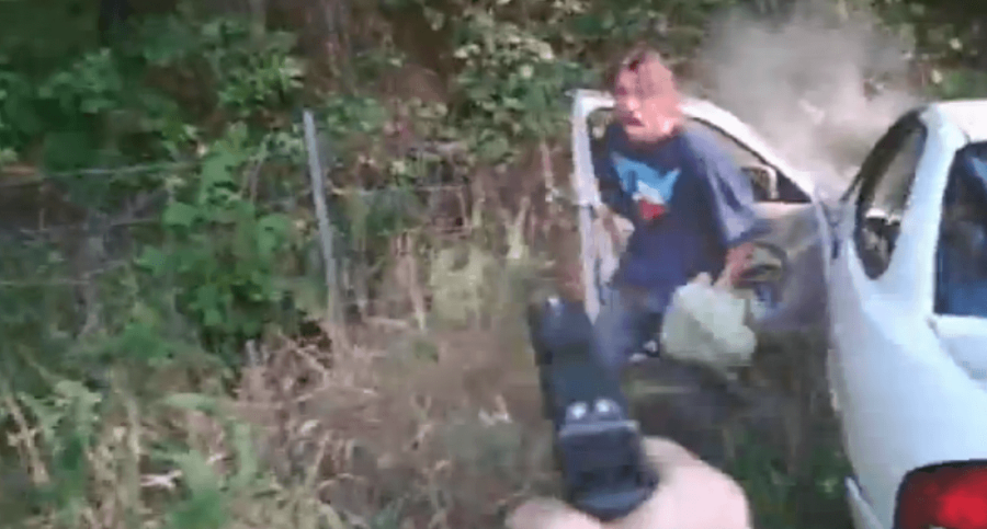 arkansas game warden takes down suspect in car chase video