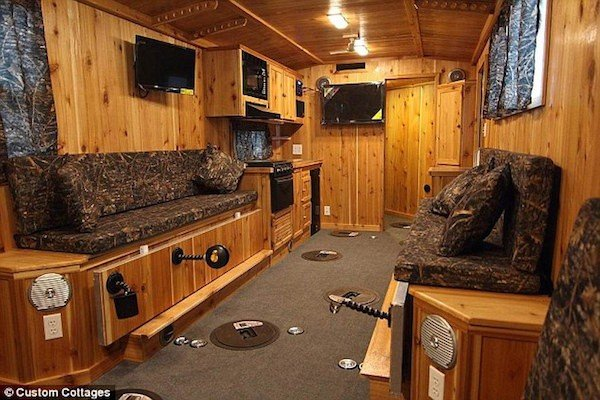 5 Luxury Ice Fishing Shacks Fishing Or Camping