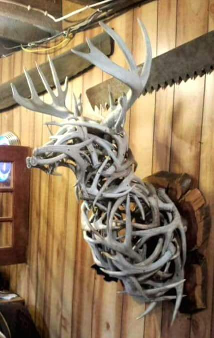 10 antler decoration styles to inspire your shed finds for Antler decoration ideas